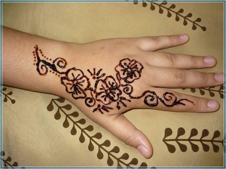 43 Gambar Henna Sederhana Warna Putih Dan Coklat Bingkaigambar Com