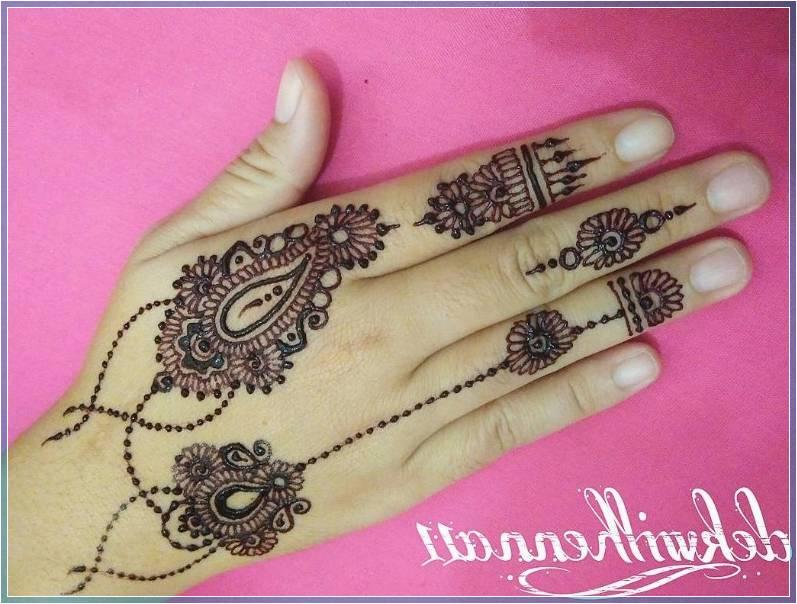 Gambar Henna Simple Untuk Jari Terbaru Bingkaigambar Com