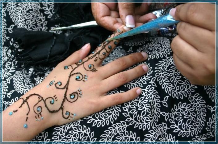 Gambar Motif Henna Tangan Sederhana Terbaru Bingkaigambar Com