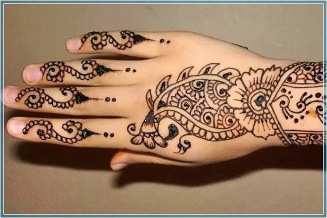Gambar Tato Henna Sederhana Terbaru