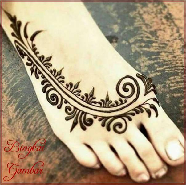 Gambar Ukiran Henna Di Kaki Terbaik