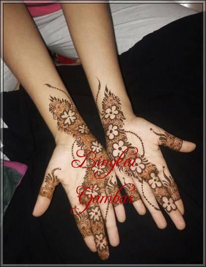 gambar henna india di tangan