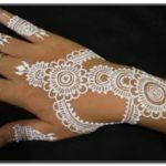 gambar henna tangan warna putih