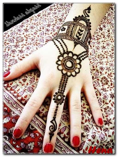 gambar henna untuk tangan hitam