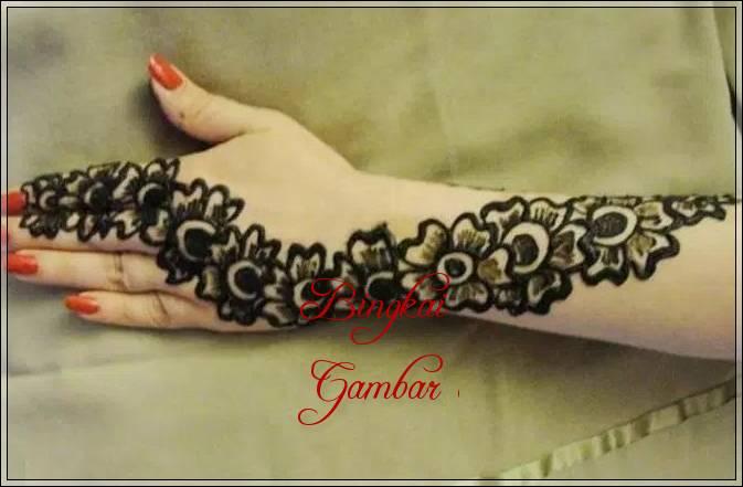 gambar hiasan henna india