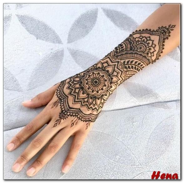 henna lengan sederhana