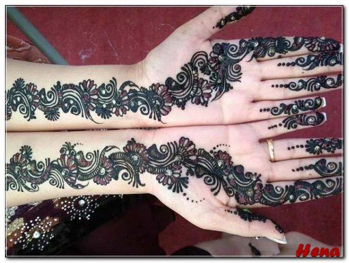motif henna di lengan tangan