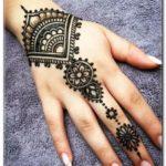 motif henna lengan tangan simple