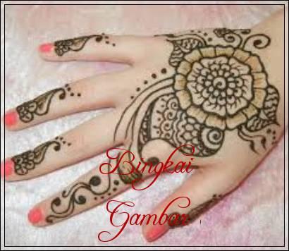 motif henna tangan india
