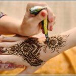 gambar henna warna coklat