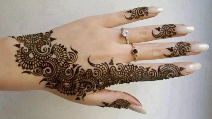 28 Gambar Henna Kuku Yang Cantik Dan Langkah Membuatnya