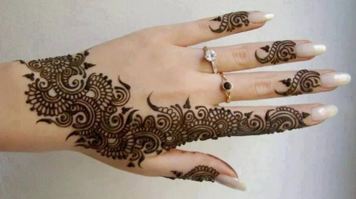 motif henna kuku simple