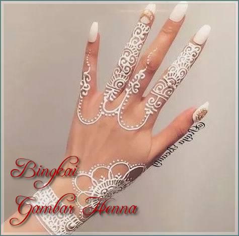 motif henna pengantin warna putih