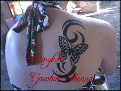 gambar henna bentuk kupu kupu