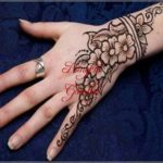 gambar henna tangan bunga sederhana