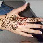 henna simple di tangan bunga