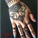 henna tulisan arab simple