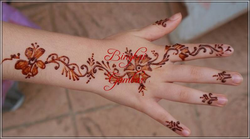 motif henna bunga simple untuk pemula