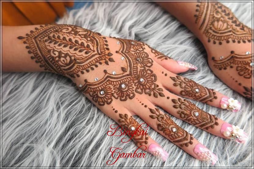 60 Gambar Henna Pengantin Motif Rumit Dan Sederhana Bingkaigambar Com