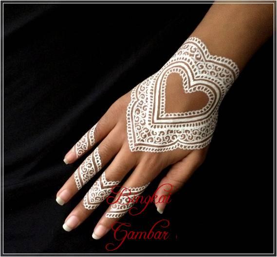 motif henna tangan cincin