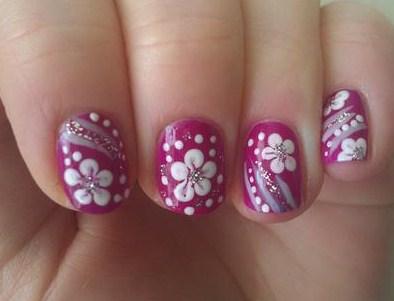 Nail Art Bunga Simple